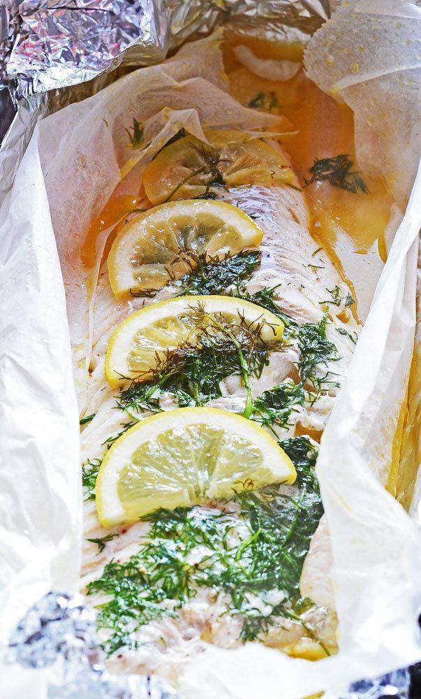 Grillet torsk med hyldeblomst