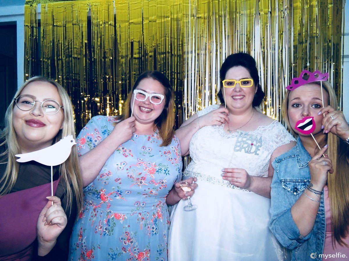 Sjove-selfies-til-brylluppet-med-myselfie
