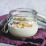 hjemmelavet-koldskaal-med-tykmælk-og-aeg