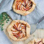 Små æblegaletter med timian og marcipan