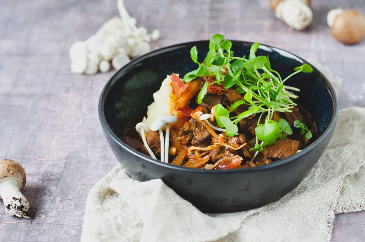 Bøf stroganoff og kartoffelmos med blomkål 10