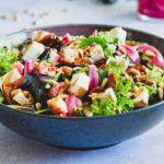 Salat med syltede rødløg og bagte tomater 4